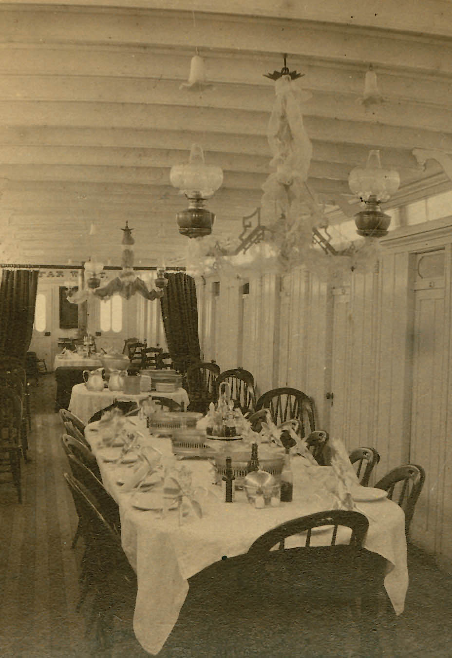 Red River and Missouri River steamboats sometimes included fancy dining rooms