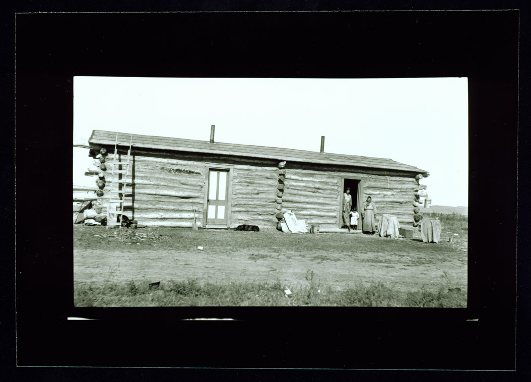 Fort Berthold Log House