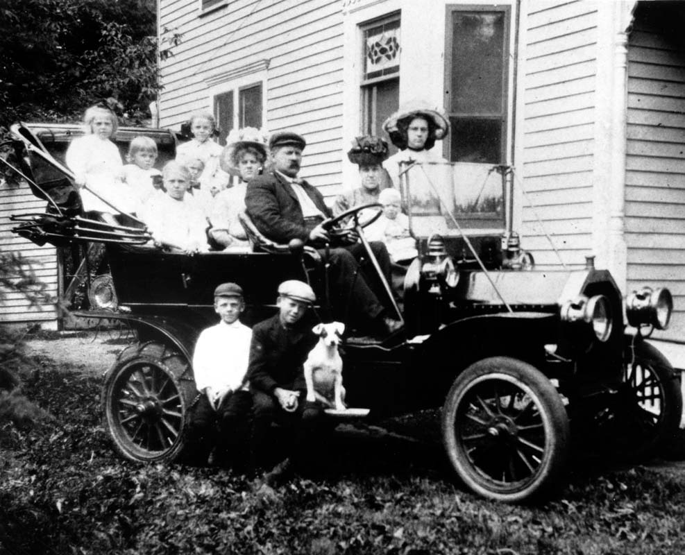 Section 1 introduction north dakota studies image 1 a car was a symbol of wealth in the first part of the 20th century however it appears that even a large car could not accommodate the entire biocorpaavc Choice Image