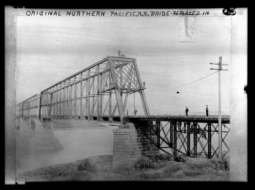 Cross the railroad tracks - 2 part 3