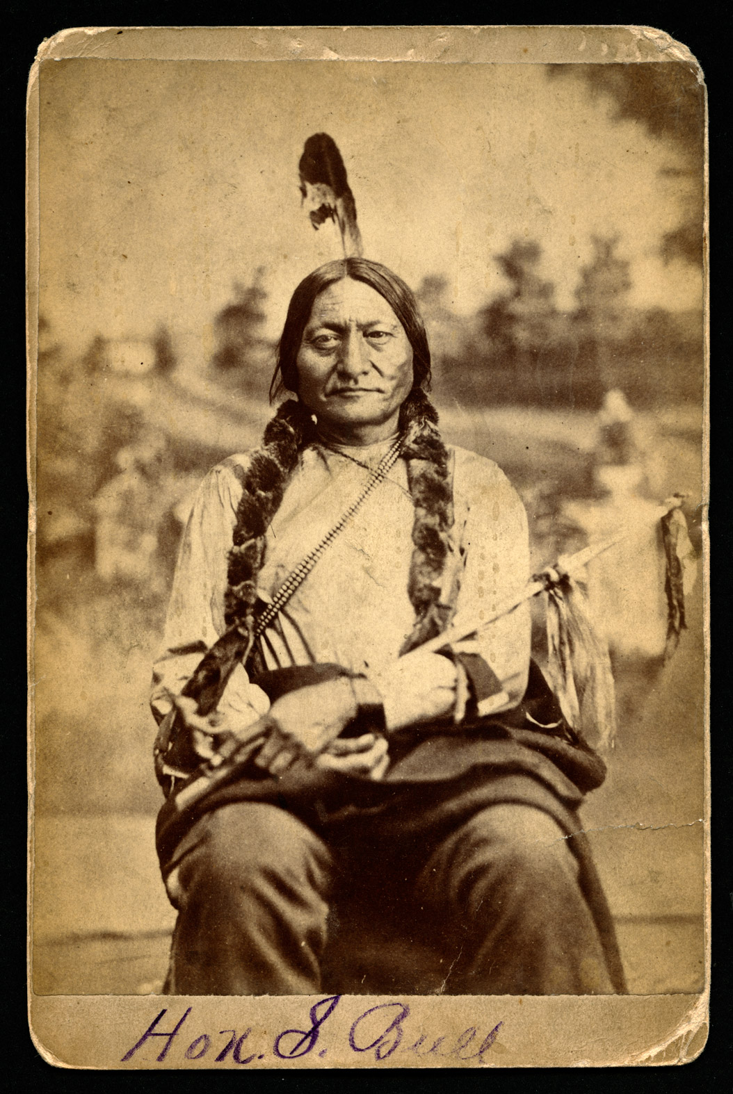 the sitting bull essay Sitting bull faced many challenges in his life discuss at least three specific challenges sitting bull faced and write a three paragraph essay remember to include an intro.